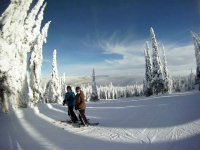julie-and-brad-skiing-at-sun-peaks-2013
